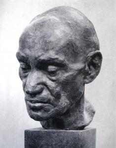 """Дмитрий Рябичев """"Старый рабочий""""  бронза   42х17х29  1956 г."""